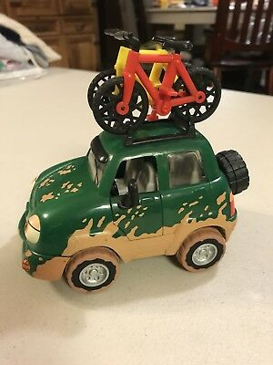 Freddy 4-Wheeler The Chevron Cars W/ Bicycles