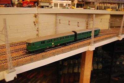 Triang Class 4-SUB BR Green