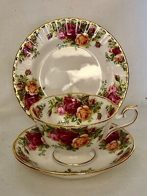 ROYAL ALBERT OLD COUNTRY ROSES ENGLAND CSP TRIO CUP SAUCER PLATE AVON SHAPE Rare