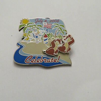 Disney WDW  Cast Member Independence Day 2006 Chip and Dale with Donald Duck pin