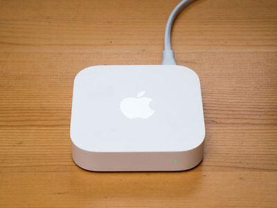 Apple AirPort Express Router (MC414X/A)