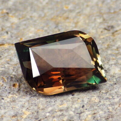 MULTICOLOR MYSTIQUE OREGON SUNSTONE 7.39Ct FLAWLESS-RARE MIX OF COLORS!