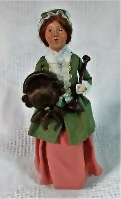 Byers Choice Caroler Colonist Woman Wig Maker 2005 Created Esp for Williamsburg