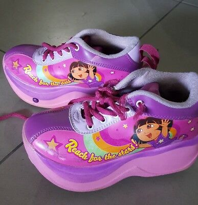 Girls skate shoes