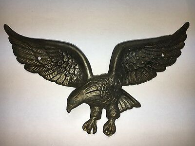 "Beautiful Vintage Cast Metal Wall Plauque 9"" Eagle"