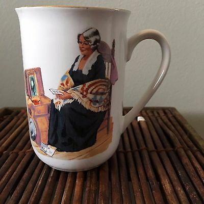 NORMAN ROCKWELL MUSEUM COLLECTION MUG - MEMORIES 1982 VGUC museam collection inc