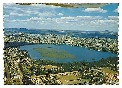 VIC - c1970s POSTCARD - AERIAL VIEW OF LAKE WENDOUREE AND BALLARAT, VICTORIA