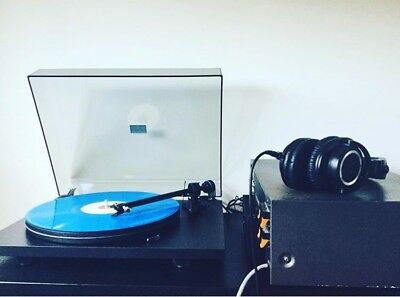 Preowned Pro-ject Essential II Turntable (with Free Vintage TEAC Preamp