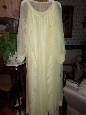 Vintage Peignoir Set Miss Elaine
