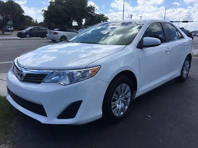 2014 Toyota Camry LE 4dr Sedan 2014 Toyota Camry LE 4dr Sedan LOW Miles White Sedan 2.5L I4 Automatic 6-Speed