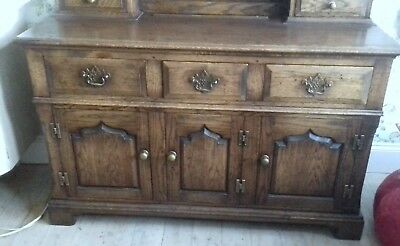 Beautiful dresser Titchmarsh and Goodwin?