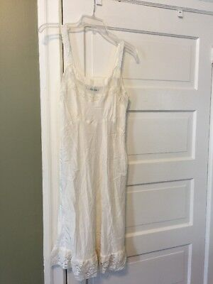 Vintage 1950's Offwhite Nightgown Silk Lace Trim Betty Lou Lingerie 36