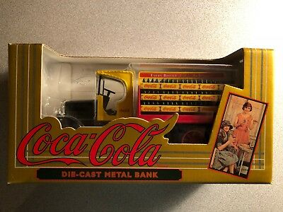Vintage 1994 ERTL Coca Cola Die-cast Beverage Truck Metal Bank in Box