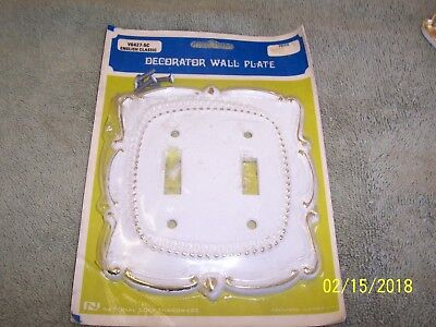 1 Double Vintage White & Gold Light Switch Outlet Cover Plate V6427-5C Nat Lock