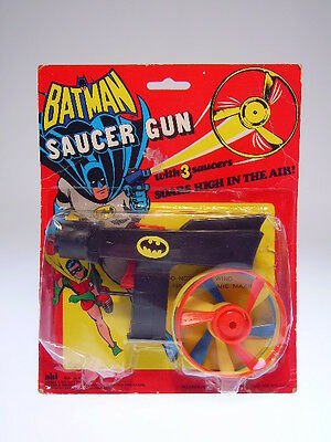 "GSCOM ""BATMAN SAUCER GUN"", AHI HK, 22x17cm, NEW ON GOOD CARD !"