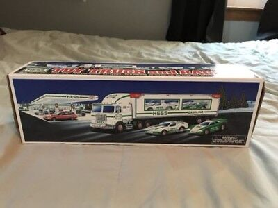 1997 Hess Toy Truck & Racers   New in the box  Racers with friction motors