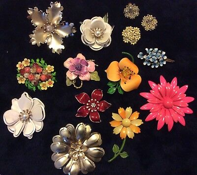 Vintage LOT of 12 Enamel Flower Brooches & 1 Pair Matching Earrings *EXCELLENT*
