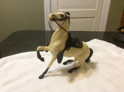 Vtg Hard Plastic Bucking HARTLAND  HORSE w Black Mane Tail Reins & Saddle