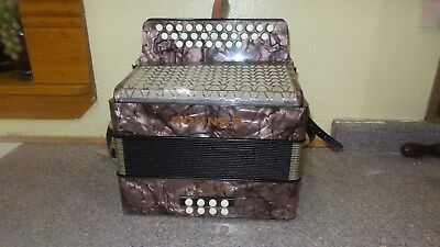 Beautiful Vintage Hohner Club Button Accordion Extremely Clean W/Case 1 Owner