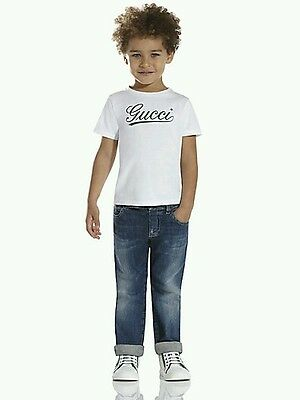 NWT NEW Gucci kids Boys white tee shirt green Script Logo front 5y or 6y 258706