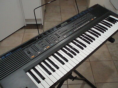 Roland E20 Synthesiser