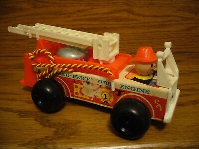 Vintage 1968 Fisher Price Wooden Fire Engine #720 Pull Toy & Dinging Bell  WORKS