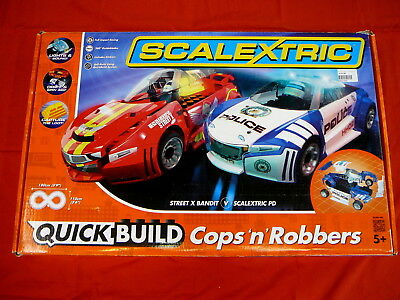 Scalextric Quick Build Cops'n'Robbers Set - 2 Cars, Police and Red Robbers