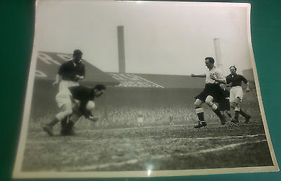 Derby County C1953-54 Signed Original Press Photos Auto Jimmy Dunn Vs Fulham