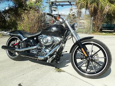 2015 Harley-Davidson Softail  2015 Harley Davidson Softail Breakout (1,649 mi, ABS, Smart Security, Clean!)