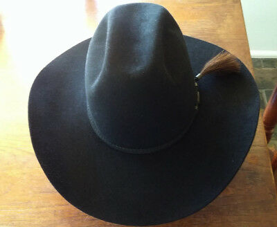 Black Akubra Hat style The Arena size 60 (only worn once)