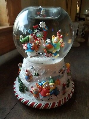 Partylite  Peppermint Pals Christmas  Snow Globe Musical Tealight Holder
