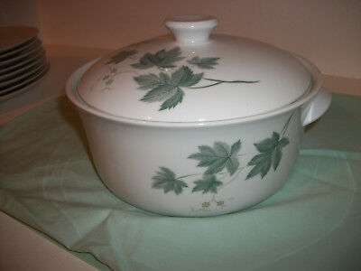 NORITAKE WILD IVY  LARGE CASSEROLE  With Lid Mint Condition