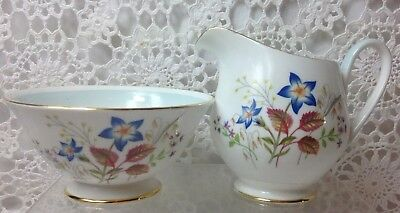 "1940s BEAUTIFUL VINTAGE TUSCAN CHINA ""LUCERNE""  MILK JUG AND OPEN SUGAR BOWL SET"