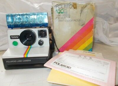 Polaroid 1000 Land Camera and Flash Bar VINTAGE