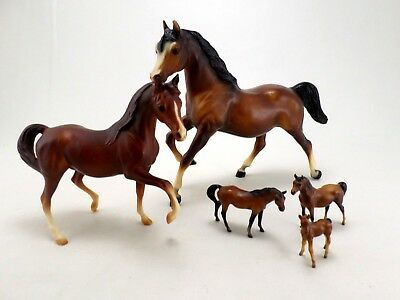 Breyer Horse Lot - 5 pieces Traditional Stablemates Mares Family