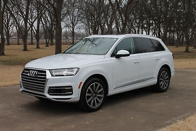 2017 Audi Q7 Premium Plus MSRP $67730 One Owner Perfect Carfax Premium Plus Fully Loaded MSRP New $67730