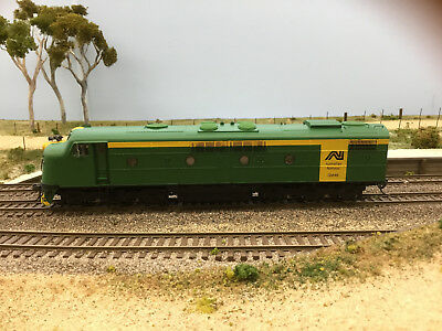 """LATEST RELEASE"" TrainOrama, GM Class Loco, HO Scale, AN Green & Gold, GM46"