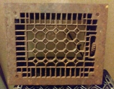 VINTAGE CAST IRON FLOOR REGISTER HEAT GRATE VENT honey comb style 11 3/4 x 9 3/4