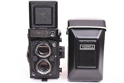 Yashica Mat 124G Twin Lens Reflex Camera w/case, lens caps, Mint Condition