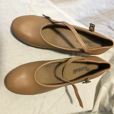 Womens Tan Character Dance Shoes 8.5 M Pre-owned with Taps 2 1/4 in Heel