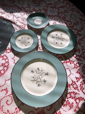 KIngsley by Lenox X-445 4piece SetDinner, Salad, Bread & Butter & Saucer. No Cup