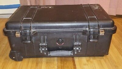 Pelican 1510 Watertight Carry Hard Road Case with Wheels & Foam Insert for Video