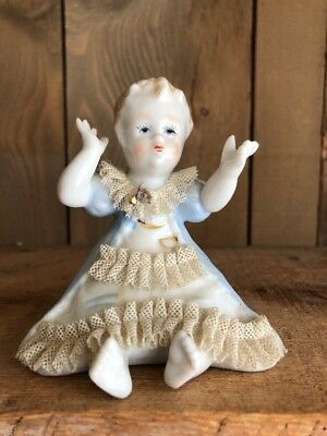 Beautiful Vintage Lenwile China Ardalt Sitting Piano Baby w/ Lace & Blue Gown