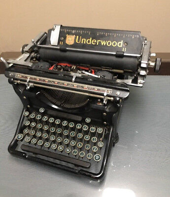 VINTAGE UNDERWOOD STANDARD TYPEWRITER made USA Movie TV Play Prop Vtg Decor