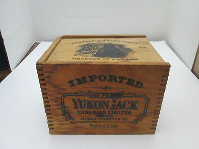 Vtg 1984 Yukon Jack Canadian Liqueur Wood Box Crate Sliding Lid Dovetailed 2290
