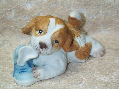 "Vintage Homco Playful Puppy Spaniel Dog Chewing Shoe Figurine #1405 21/2"" T 5"" L"