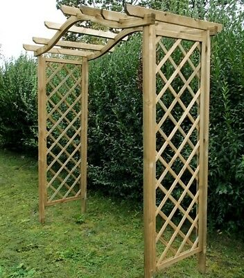 pergola rosenbogen holz torbogen mit rankgitter spalier. Black Bedroom Furniture Sets. Home Design Ideas
