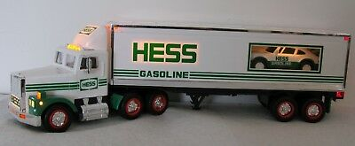 1992 Hess Toy Truck 18 Wheeler & Racer New in Original box