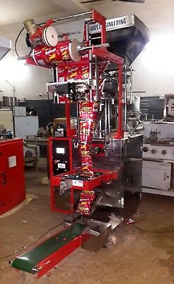 Pneumatic type Pouch fill & seal machine for Snacks.