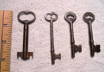 Lot of 4 Antique Vintage Skeleton Keys Door Cabinet Lock Rare